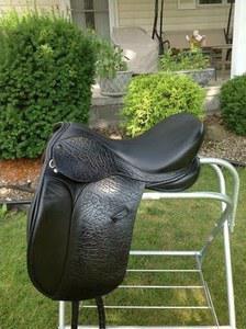Saddle photo 300